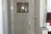 seilings-floors-bathroom-shower-with-niche-renovation-kitchener-waterloo