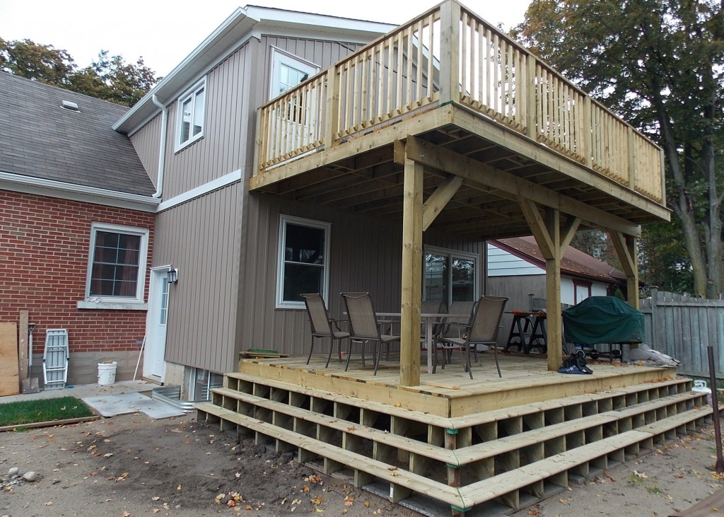 Deck and Fence Builder in Kitchener and Waterloo